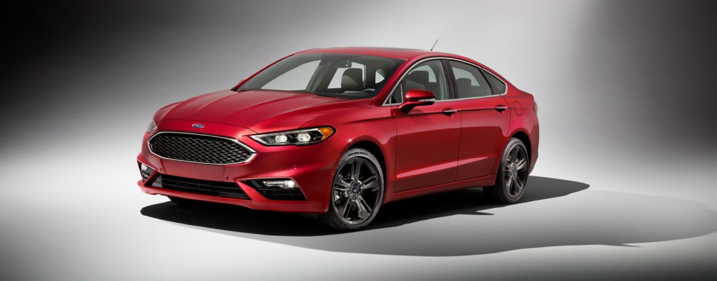 A Ford não estava brincando quando disse que ia reduzir a gama de sedãs e hatches - Ford Fusion começa a sair de linha nos EUA e também deixará o Brasil