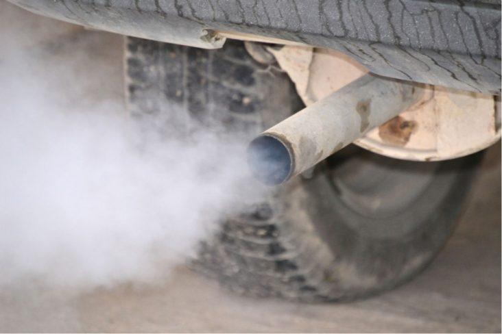 fumaca motor carro cores escapamento