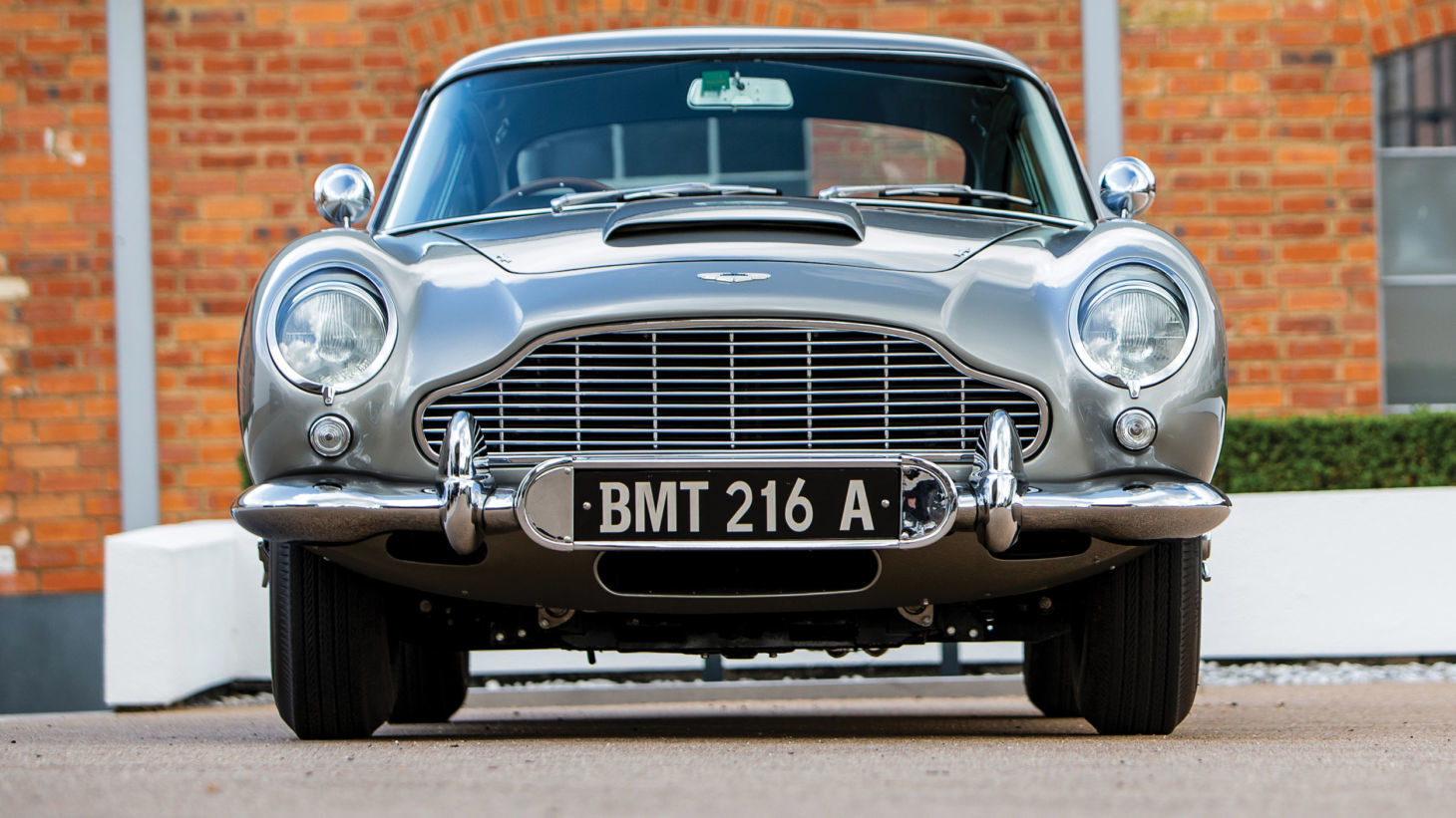 aston martin db5 james bond 5