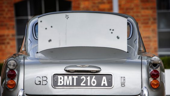 aston martin db5 james bond 8