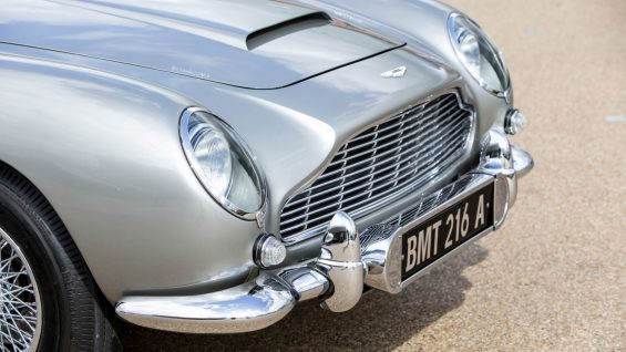 aston martin db5 james bond 13