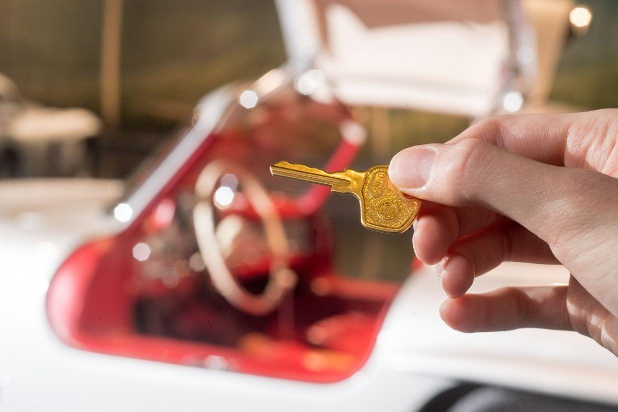 chave de carro ouro