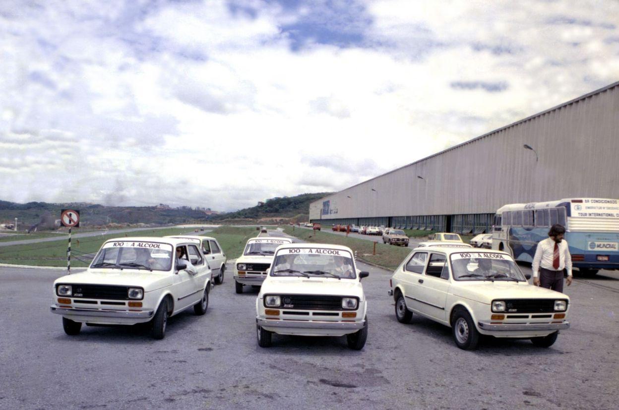 Há 40 anos, em julho de 1979, o Fiat 147 tornava-se o primeiro carro nacional movido a etanol