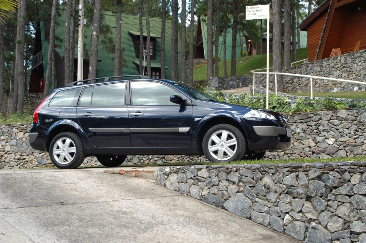 station wagon: renault megane grand tour