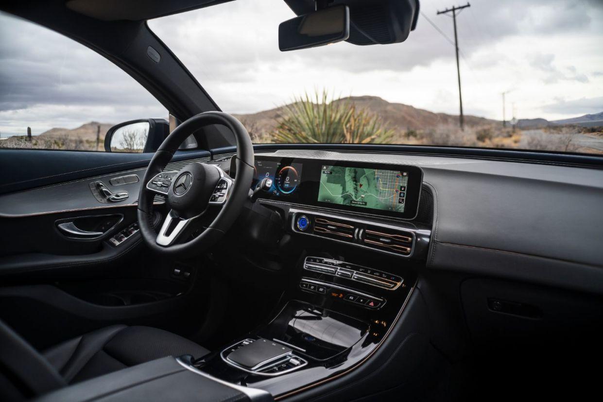 Mercedes-Benz fala sobre o futuro da marca e apresenta seu primeiro SUV elétrico para os jornalistas. EQC 400 4MATIC chegará ao Brasil em 2020.
