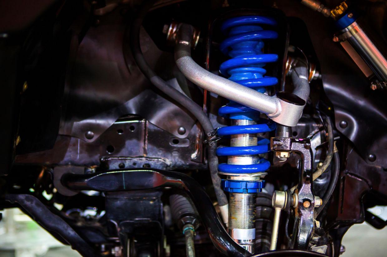 amortecedor carro suspensao roda disco mecanico manutencao