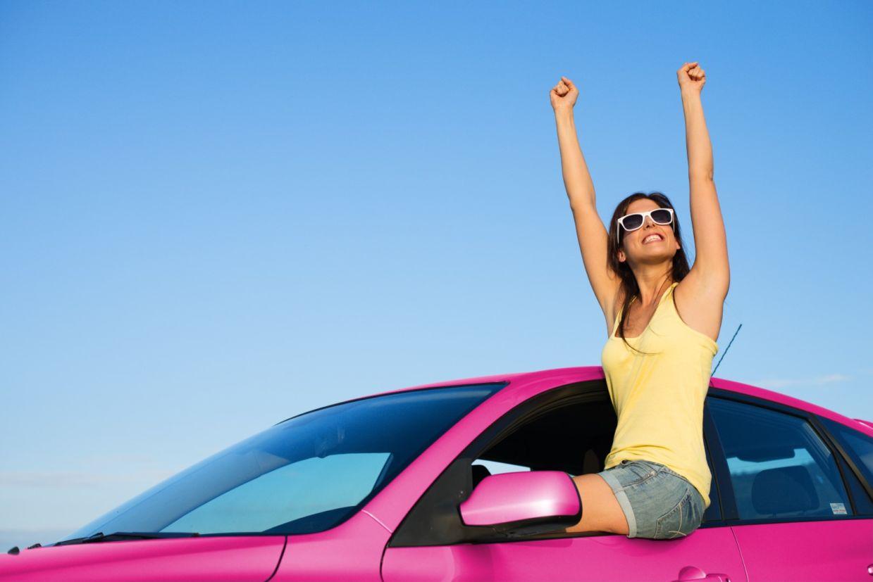 motorista mulher dirigir carro