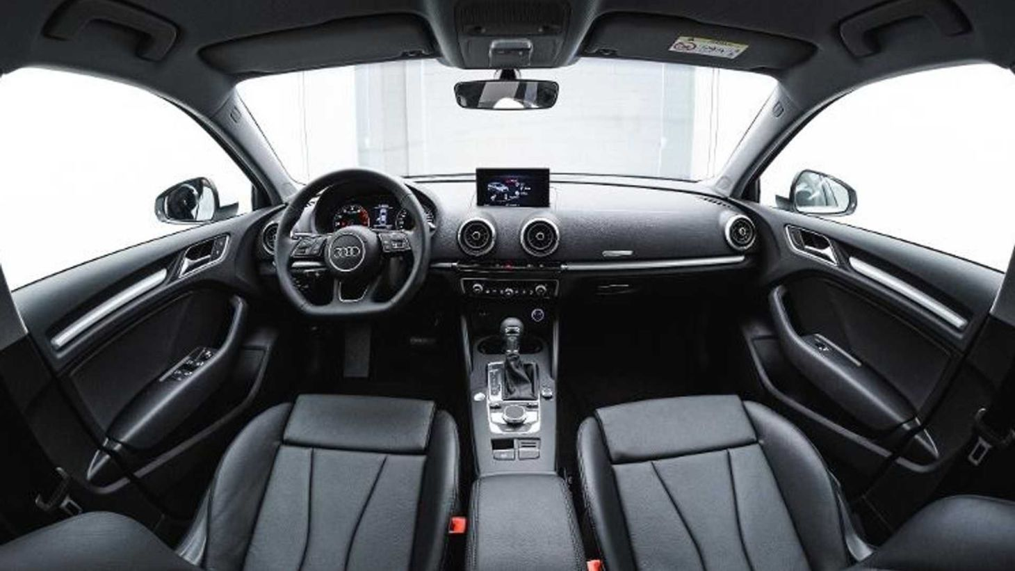 audi a3 sedan prestige plus 25 anos interior