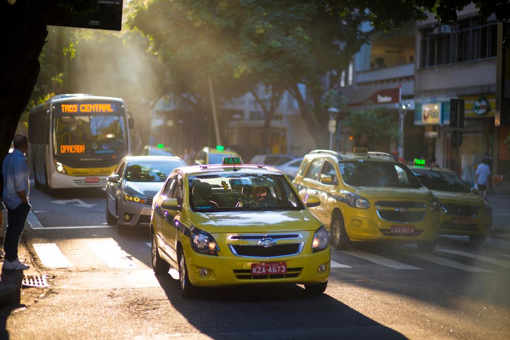 taxi brasil rio de janeiro shutterstock