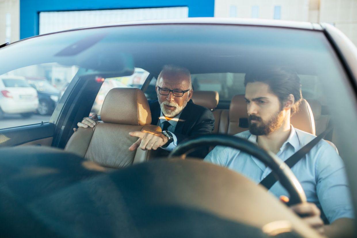 Projeto de Lei que tramita em caráter conclusivo na Câmara dos Deputados quer exigências mais duras para motoristas de aplicativos, táxis e vans.