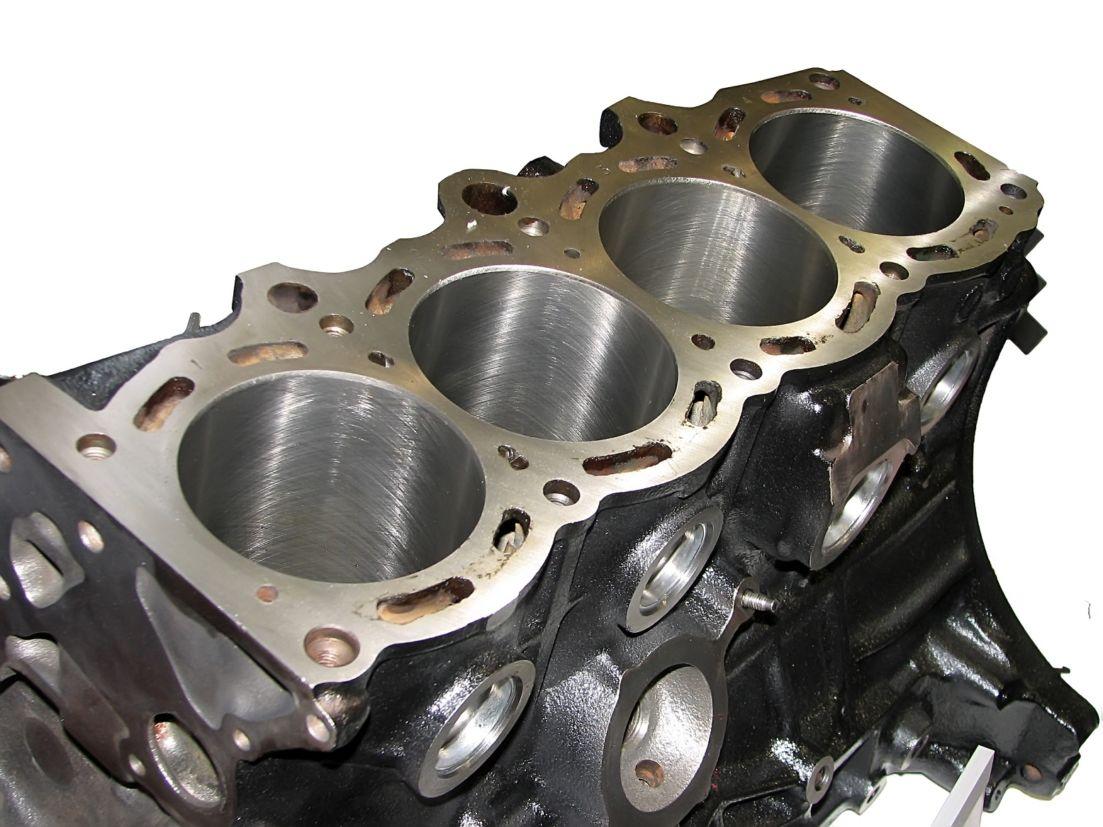 bloco-motor-cilindros Você sabe o que é virabrequim e biela? Conheça as principais peças do motor...