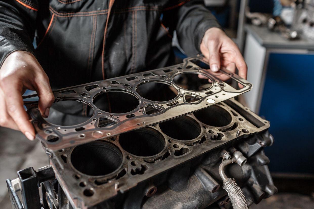 junta-do-cabecote Você sabe o que é virabrequim e biela? Conheça as principais peças do motor...