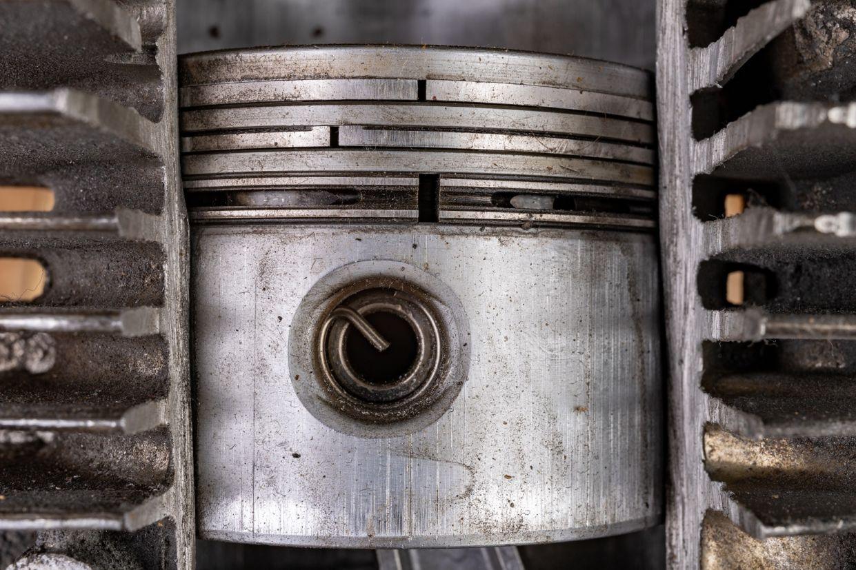 pistao Você sabe o que é virabrequim e biela? Conheça as principais peças do motor...