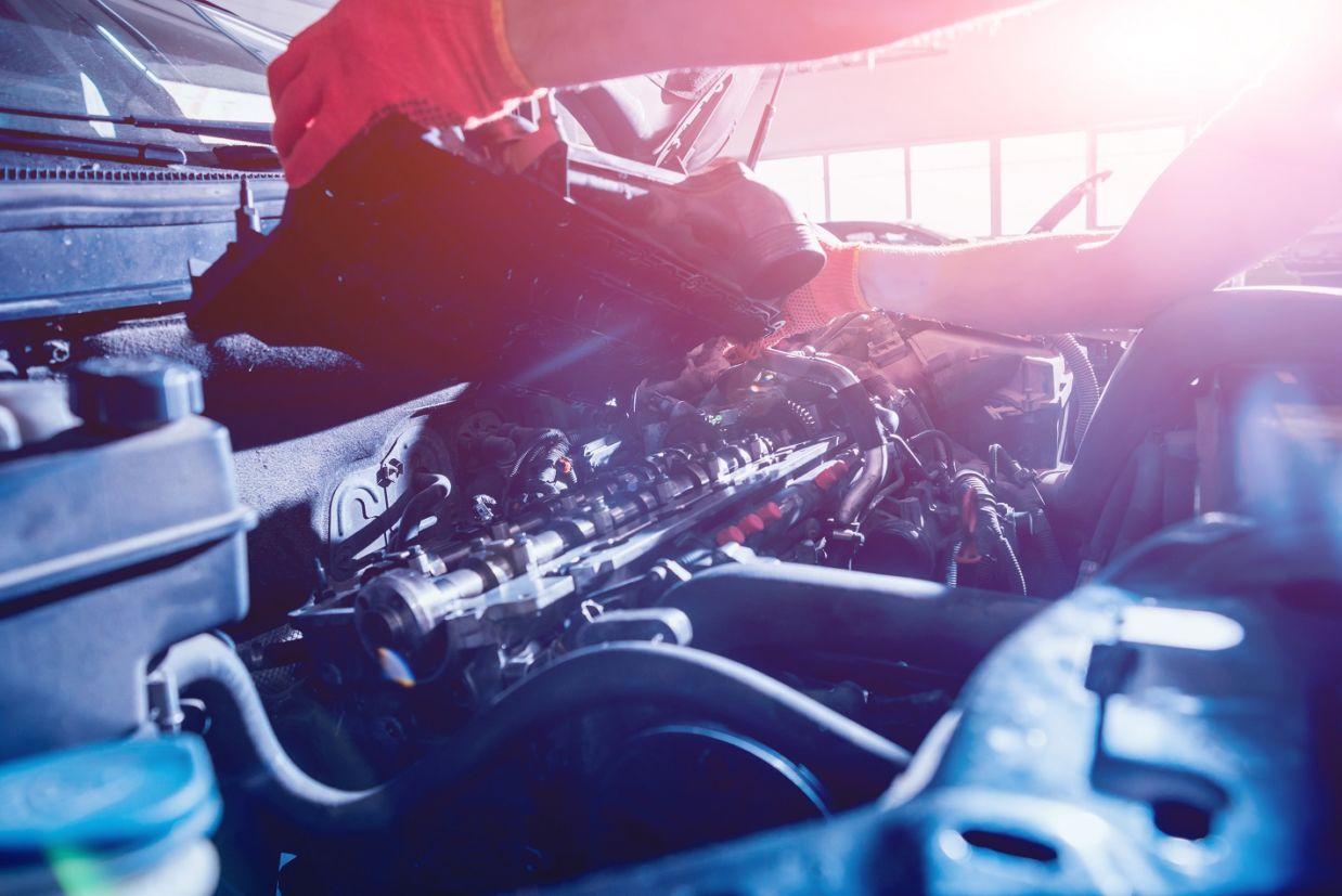tampa-do-cabecote Você sabe o que é virabrequim e biela? Conheça as principais peças do motor...