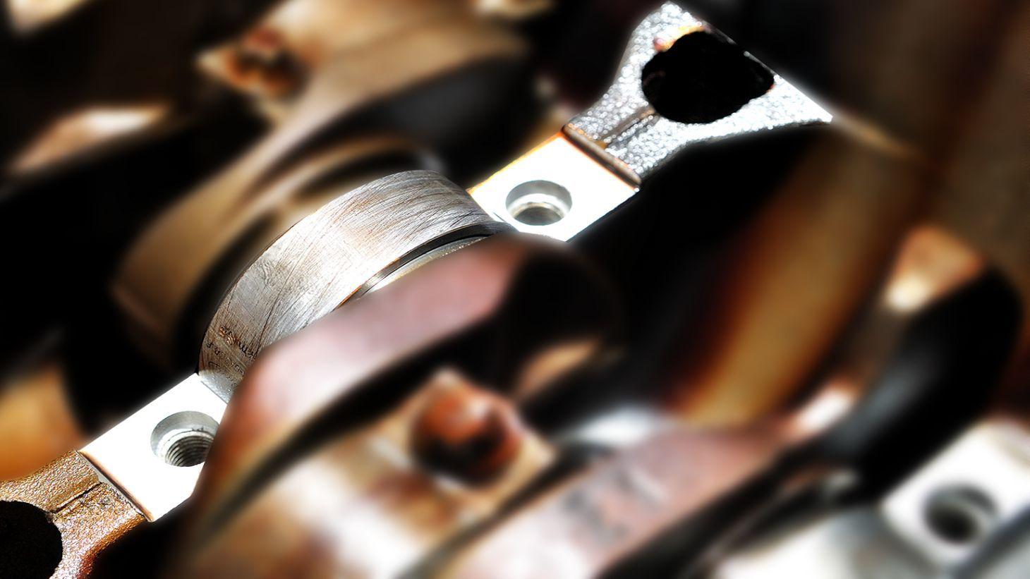 mancal-motor-shutterstock-1460x821 Você sabe o que é virabrequim e biela? Conheça as principais peças do motor...