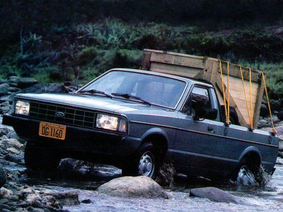 ford-pampa-4x4-1984-a-1987-565x424 Carros nacionais inovadores: 8 modelos que criaram segmentos
