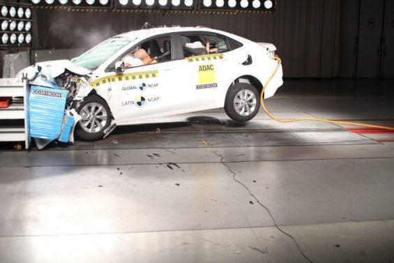novo onix plus crash test 11