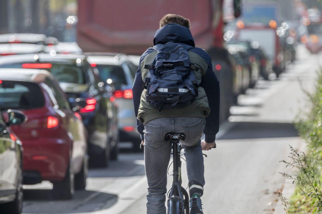 ciclista transito