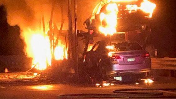 caminhao carros tesla fogo
