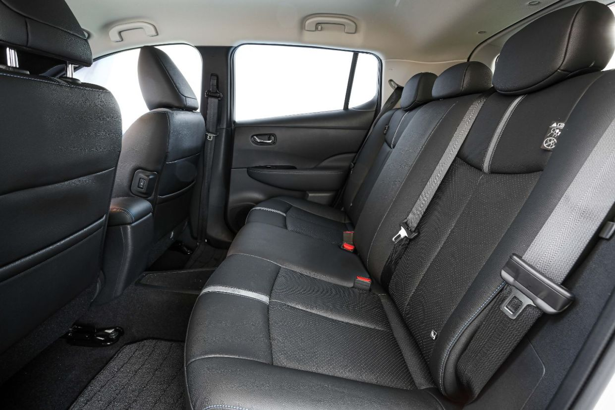 nissan leaf 2020 interior 05