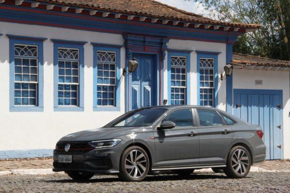VW jetta gli cinza