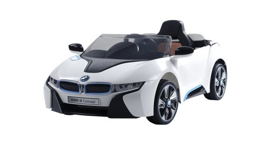 bel brink bmw i8 No Dia das Crianças, gente grande pode sonhar junto aos pequenos com modelos de carro elétrico infantil imitando veículos famigerados.