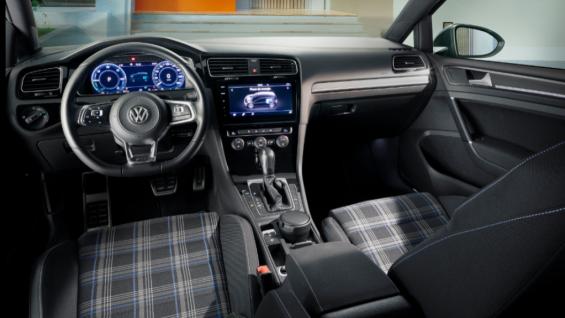 interior volkswagen golf gte