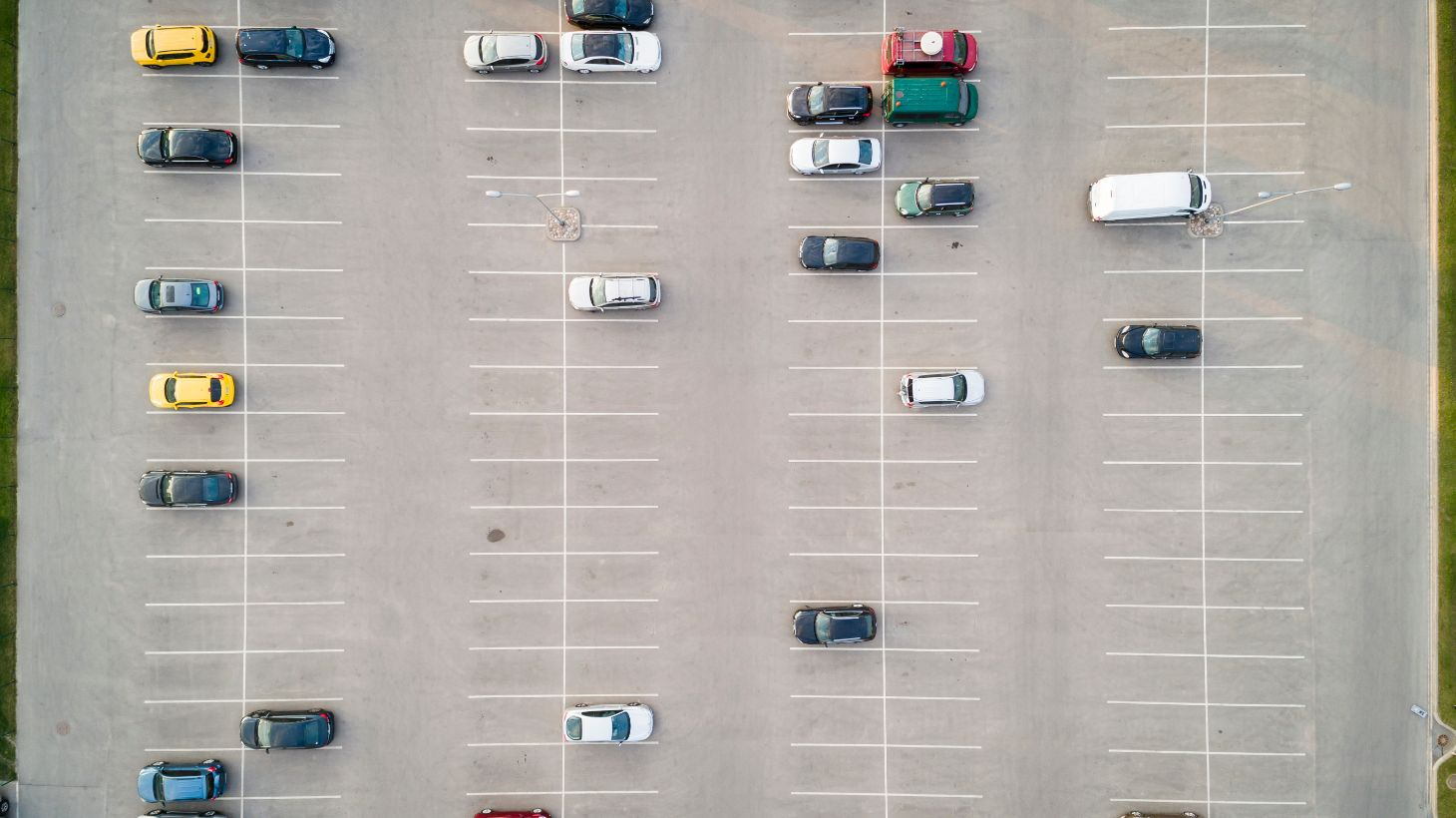 patio vazio vendas carros emplacamentos