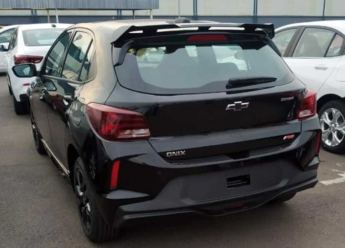 traseira chevrolet onix rs