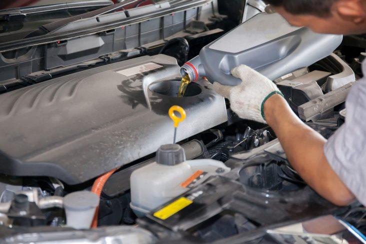 oleo motor shutterstock 407472016