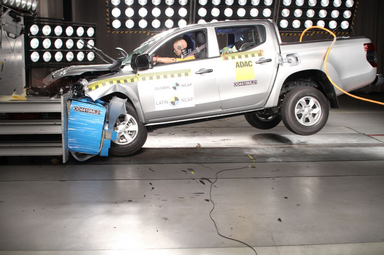 mitsubishi l200 do latin ncap 2019 2