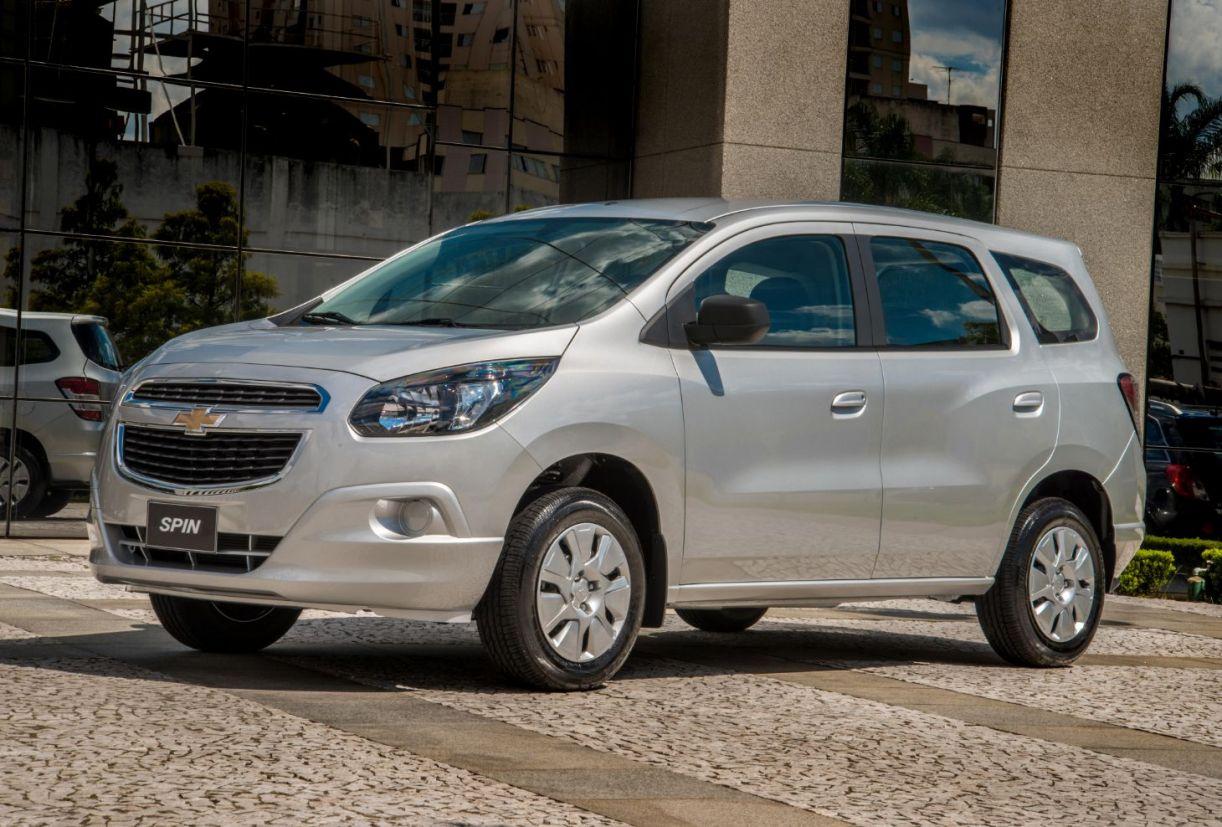 chevrolet_spin_2013 10 carros usados bons para PcD na faixa de R$ 30 mil