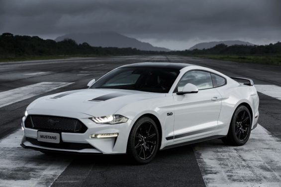 ford mustang black shadow dianteira 2