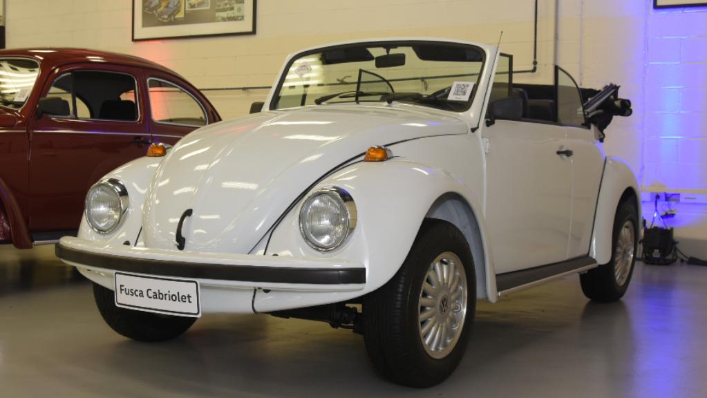garagem-vw-volkswagen-fusca-conversivel-1993 Você sabia disso? Carros da Volkswagen clássicos estão em garagem secreta...