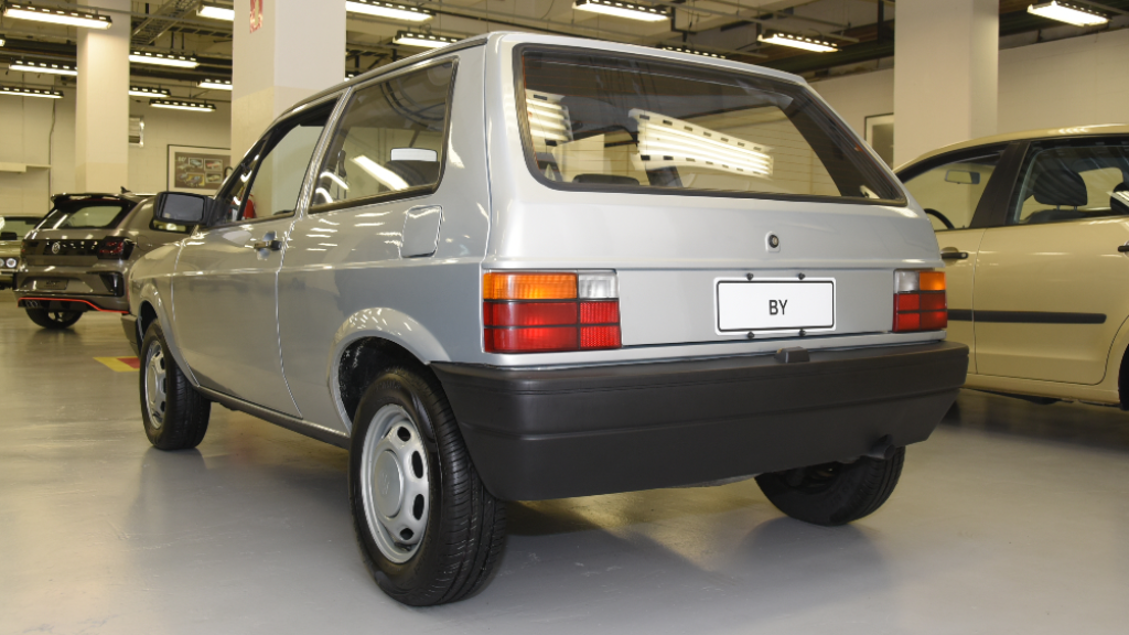 garagem-vw-volkswagen-projeto-by-traseira Você sabia disso? Carros da Volkswagen clássicos estão em garagem secreta...