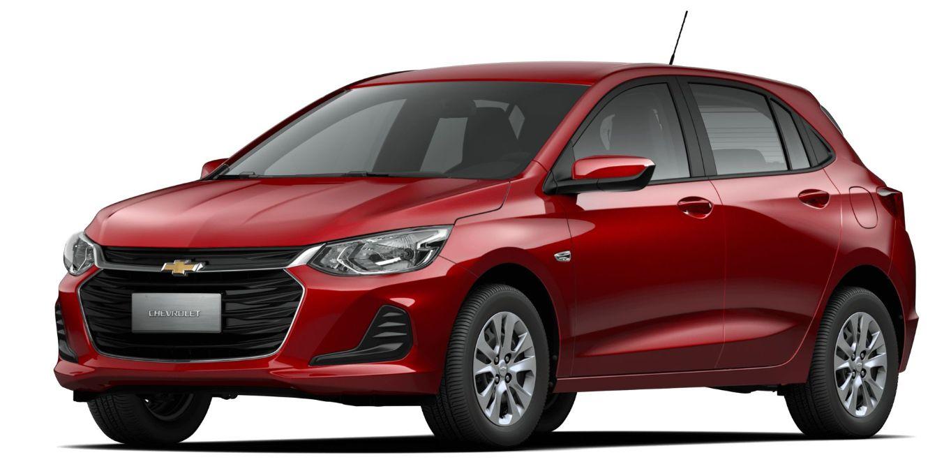 onix hatch LS visto de frente: modelo é o terceiro carro mais econômico do Brasil