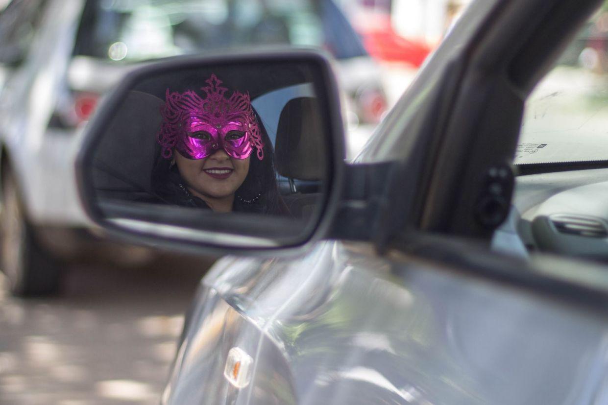 dicas de carnaval para o carro como tirar cheiro manchas