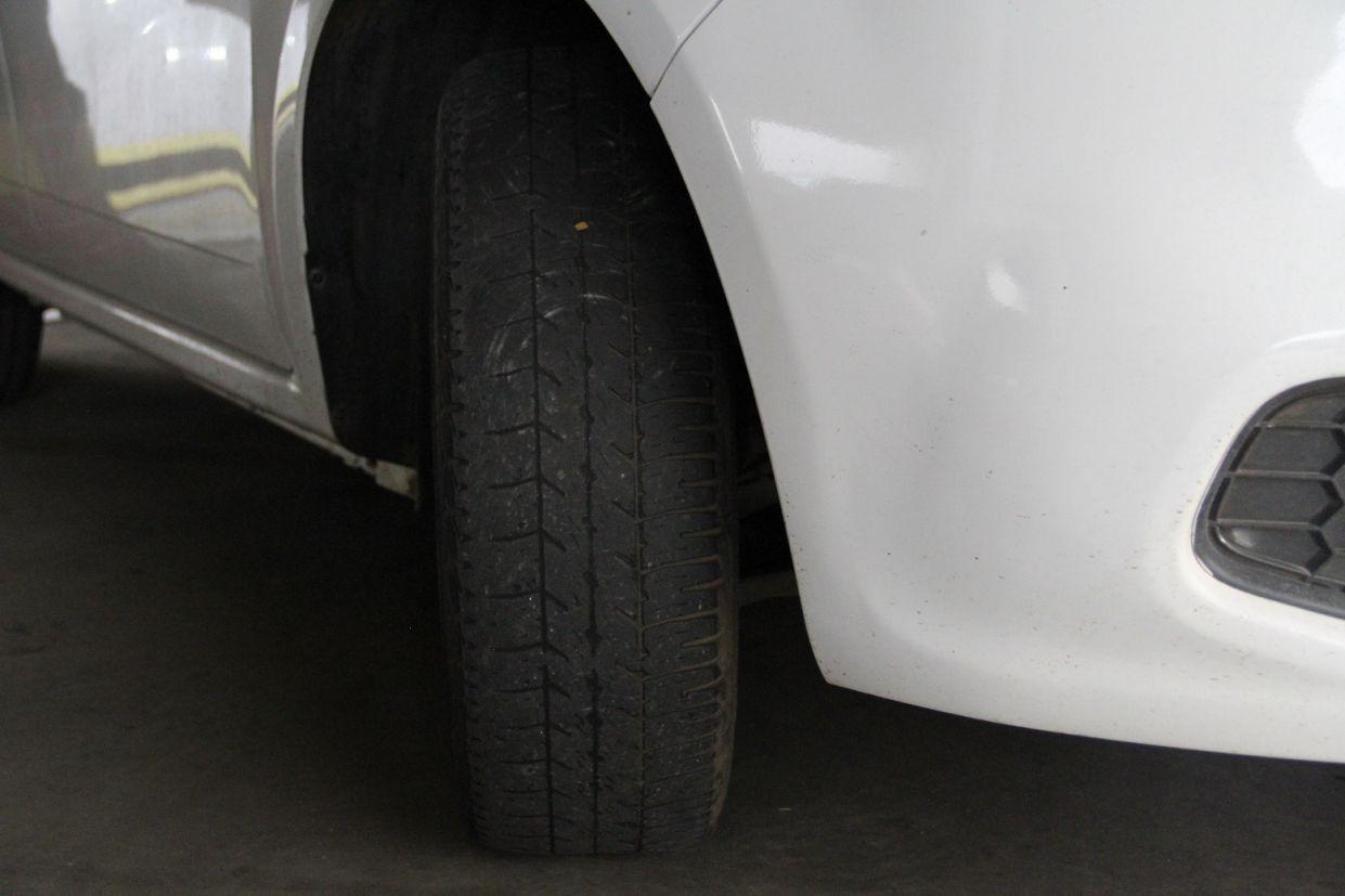 pneu careca crédito Alexandre Carneiro | AutoPapo