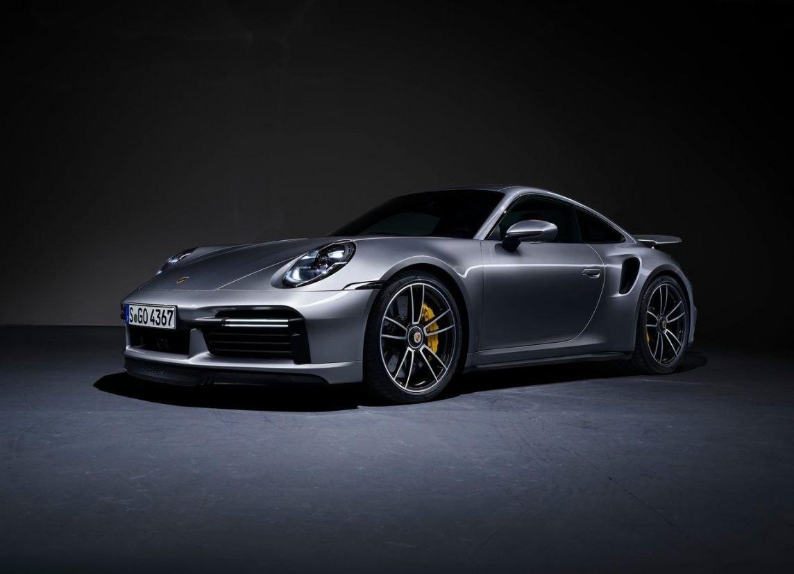 carros esportivos porsche 911 turbo s 2020