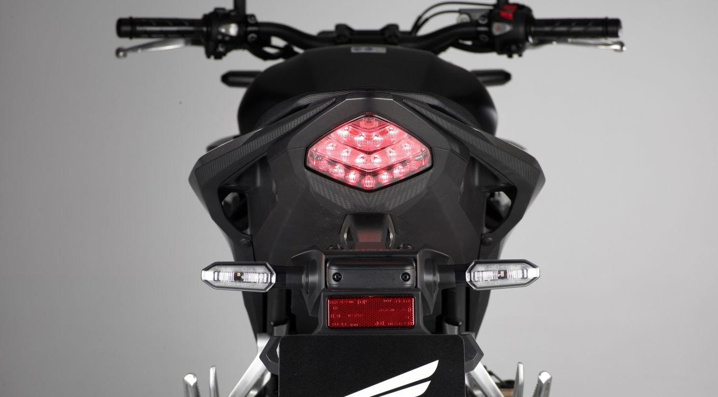 Lanterna da Honda CB 500F 2020 preta