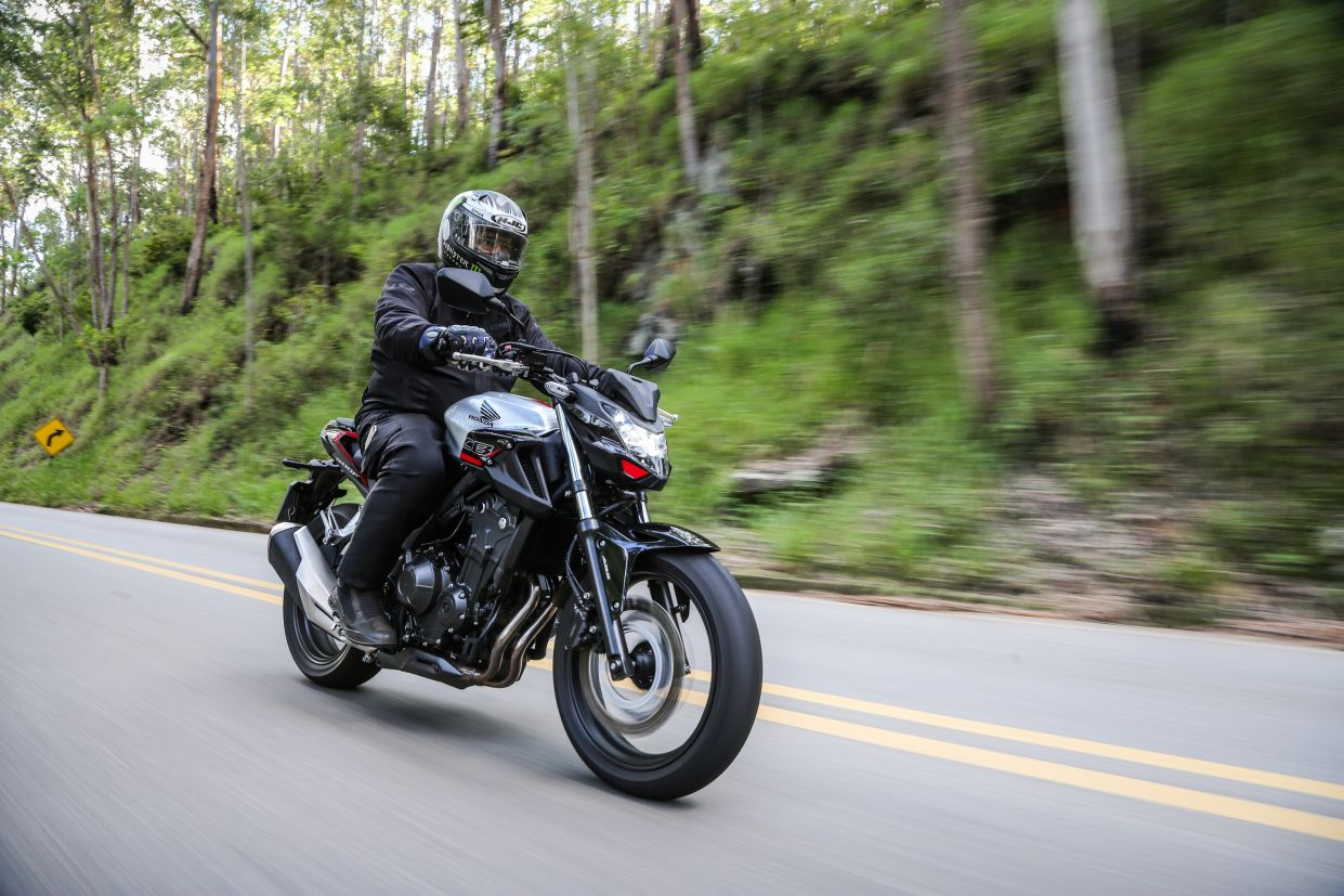Honda CB 500F 2020 preta