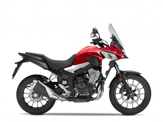 Honda CB 500X 2020 vermelha vista de perfil