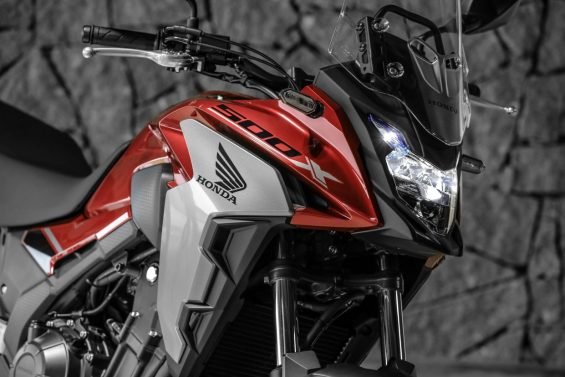 Farol da Honda CB 500X 2020