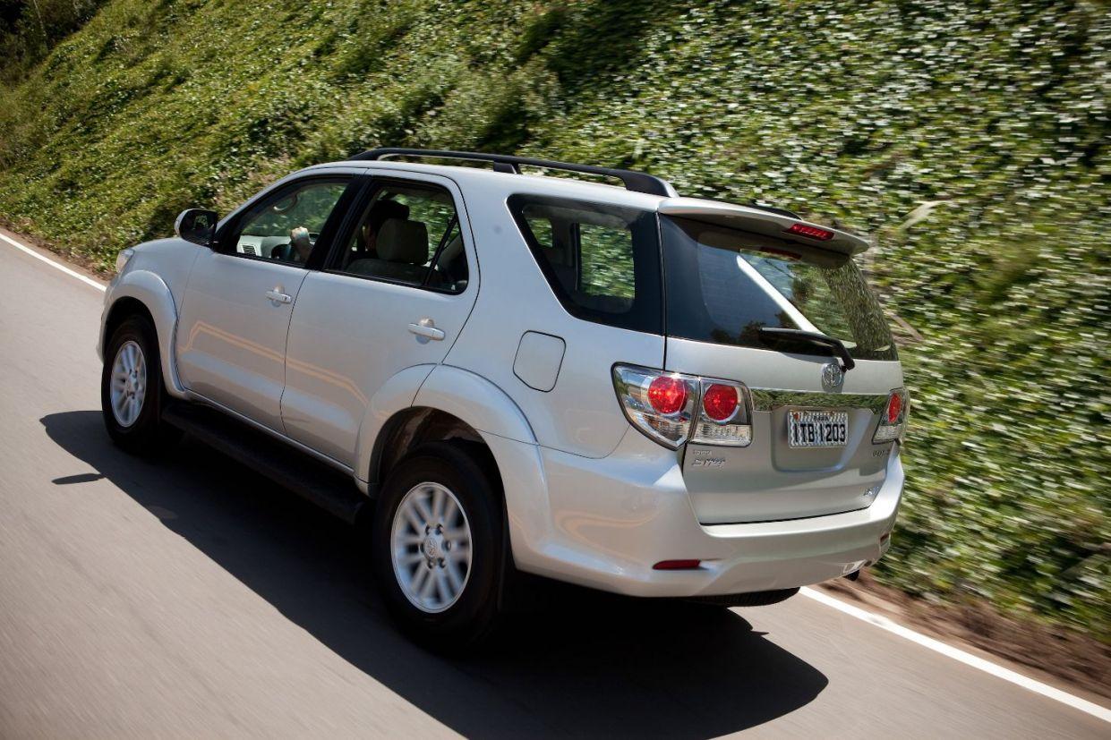 Traseira do Toyota Hilux SW4 2012 a 2016