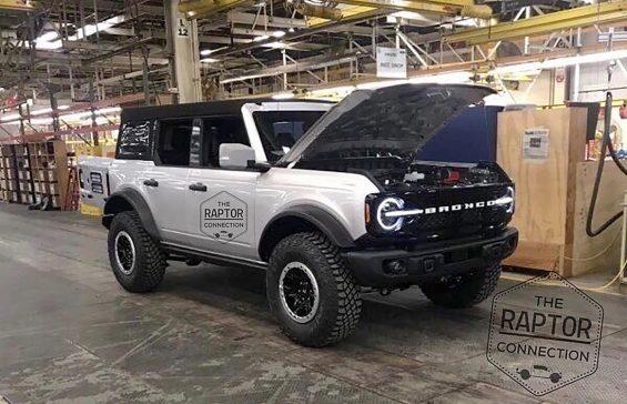 Imagens vazadas do novo SUV Ford Bronco, irmão do Baby que deverá vir para o Brasil