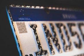 Não quer ter a sua placa Mercosul roubada? Veja essas dicas