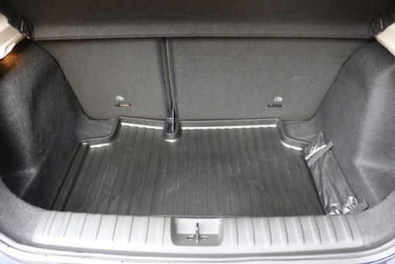 porta malas do chevrolet onix 2020 hatch