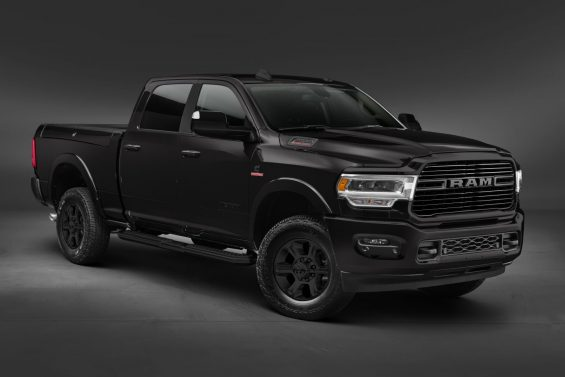 ram 2500 2020 night edition preta