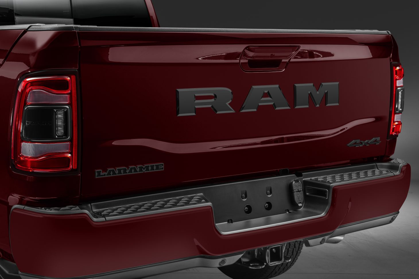 ram 2500 2020 night edition tampa da cacamba