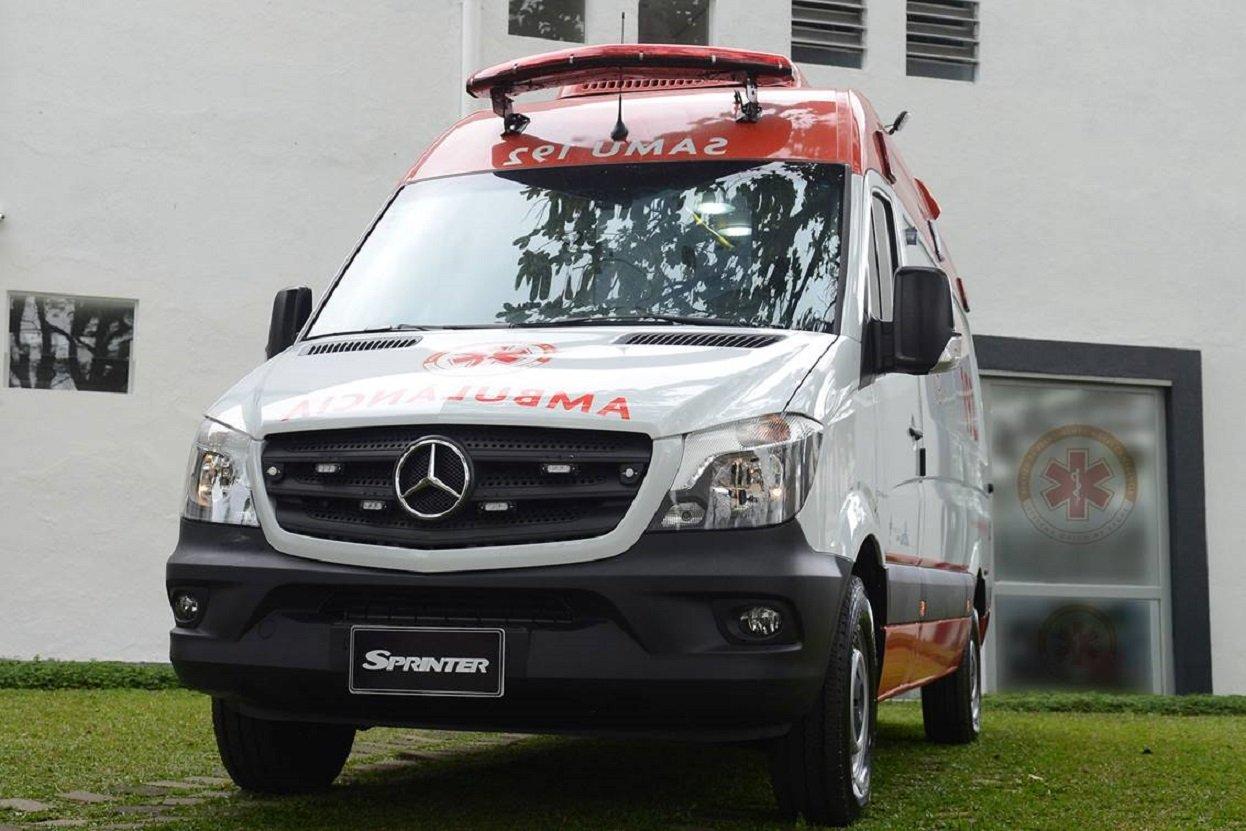 ambulancia veiculo para transporte de doentes mercedes sprinter